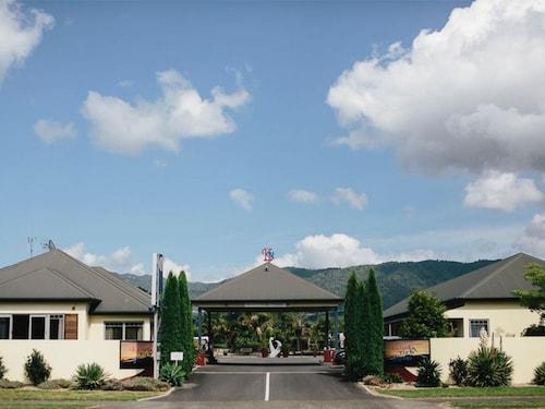 . ASURE Kaimai View Motel