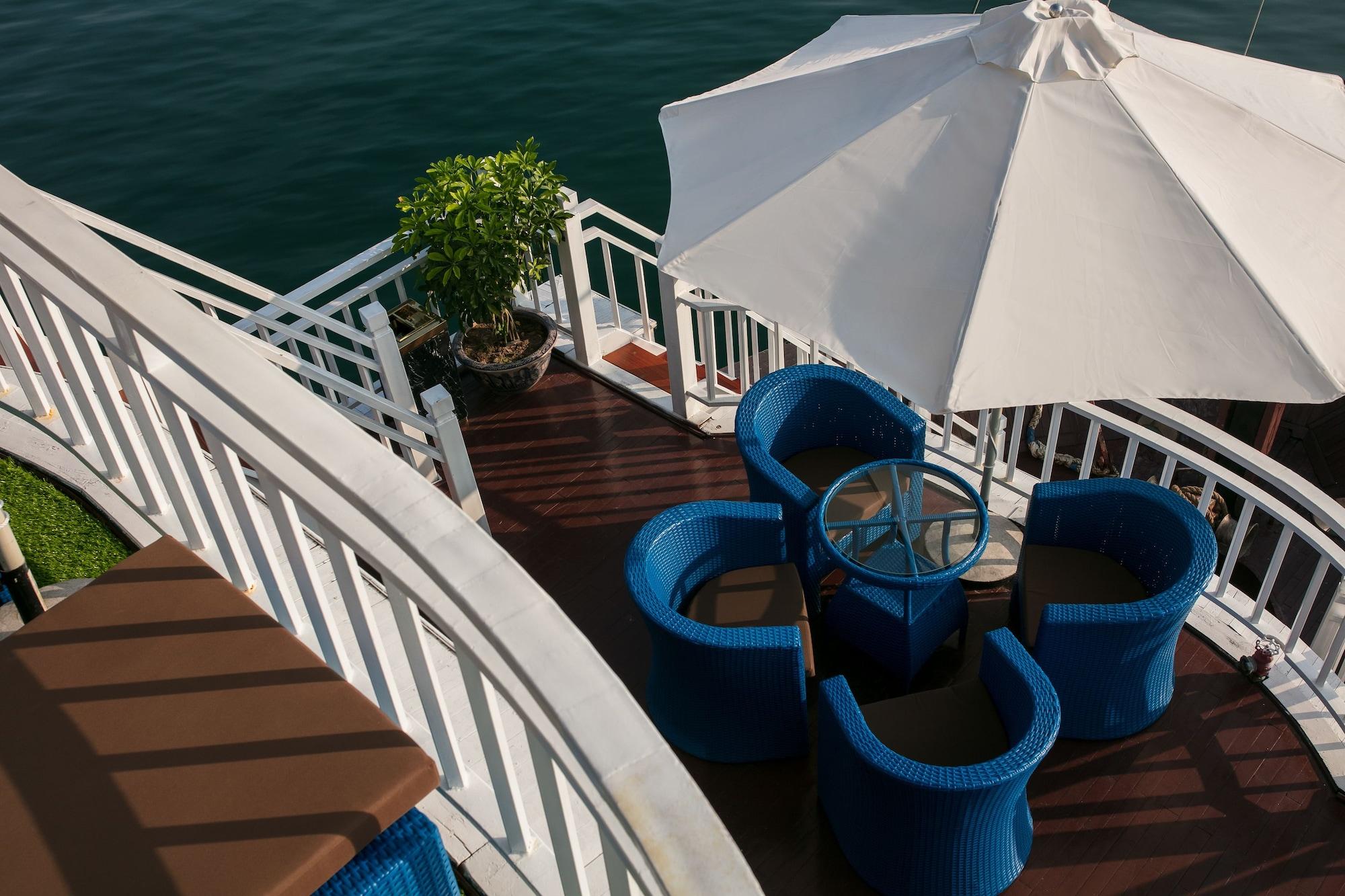 Flamingo Luxury Cruises, Hạ Long