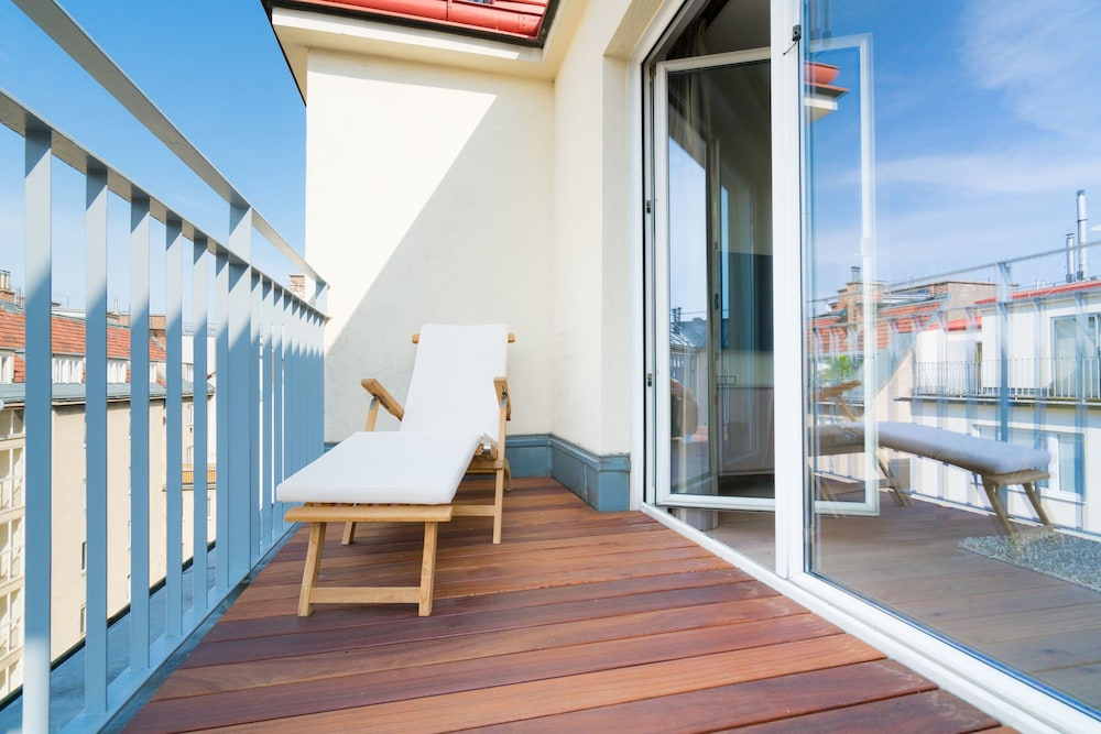 Vienna Residence Stylish apartment with terrace and air conditioning n
