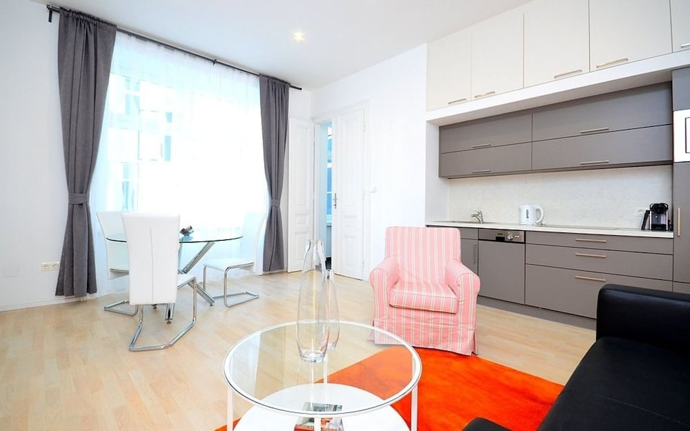 Vienna Residence Lovely Apartment With Space for 2 Close to the Subway