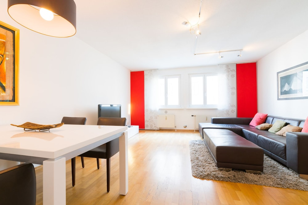 Vienna Residence Elegant Apartment for 2 Near the Famous Mariahilferst