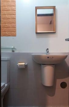 MY CITY HOME AT VINIA RESIDENCES Bathroom Sink