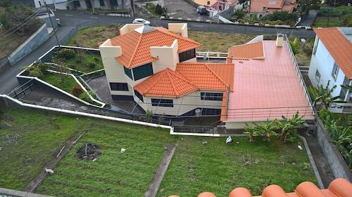 The Sun Palms House by ETC, Calheta