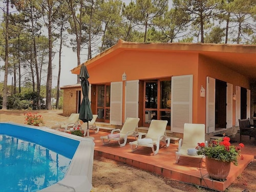 Aroeira Golf and Beach Cottage by Host-Point, Almada