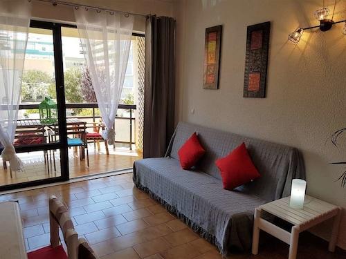 Caparica Beach Apartment by Host-Point, Almada