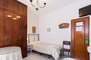 Double or Twin Room, Shared Bathroom