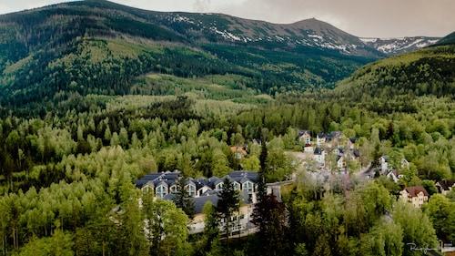 . Green Mountain Hotel