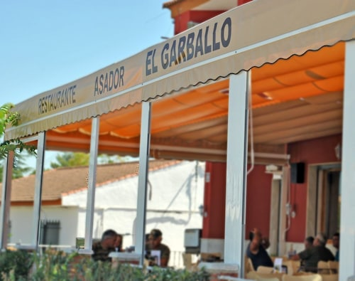. Hostal Restaurante Garballo