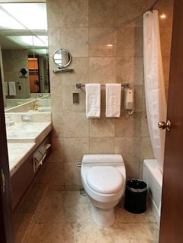 MANILA PRINCE HOTEL Bathroom