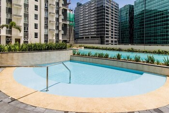 AVIDA 34TH Outdoor Pool