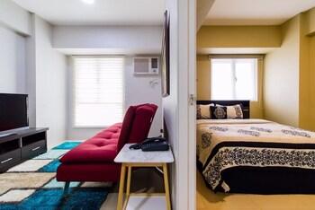 AVIDA 34TH Living Room