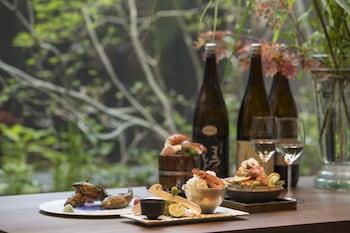 LUXURY HOTEL SOWAKA Food and Drink