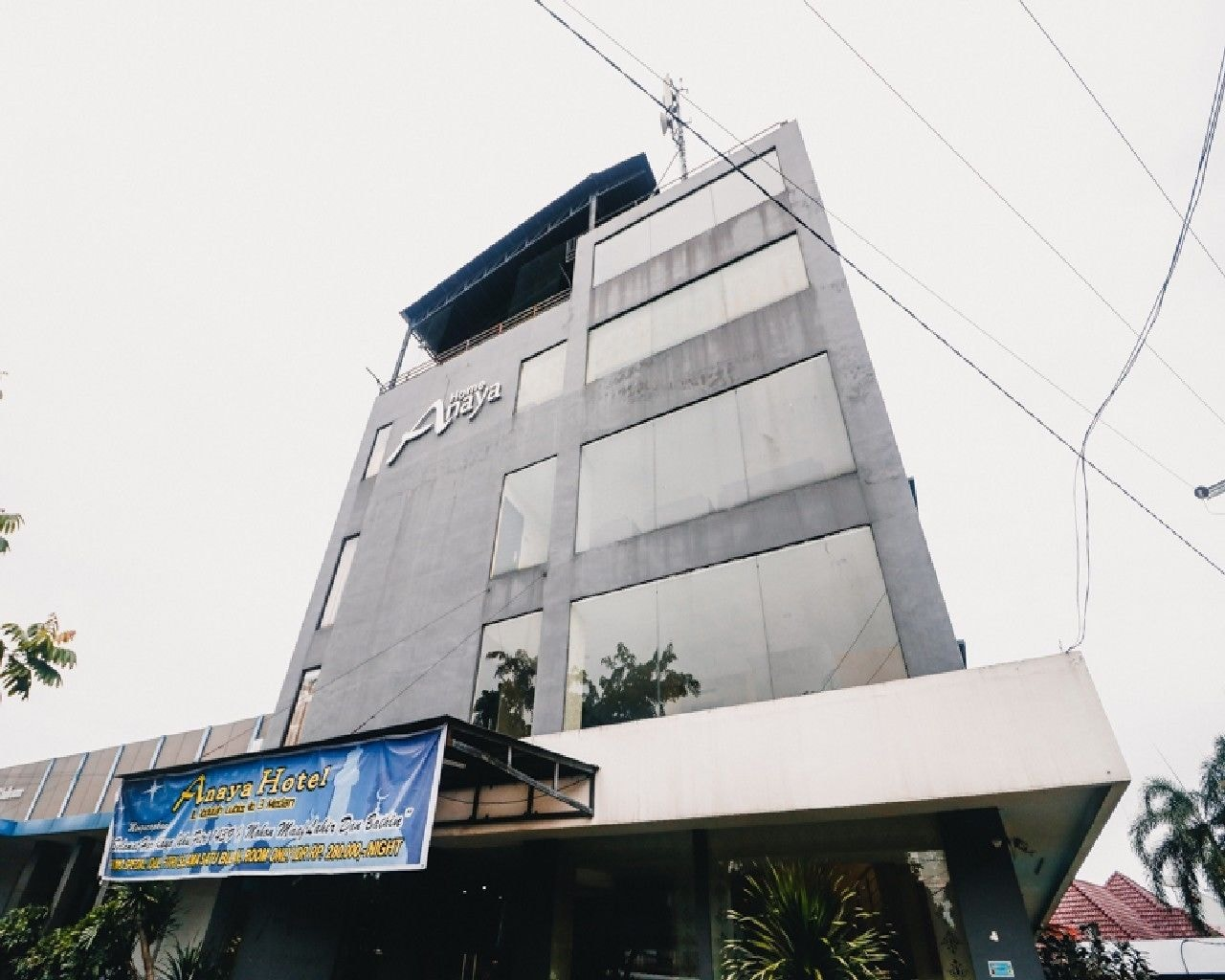 RedDoorz Plus near Cambridge City Square, Medan