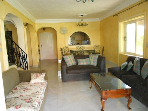 House With 5 Bedrooms in Markaz Al Alamein, With Pool Access, Enclosed, Al-Hammam