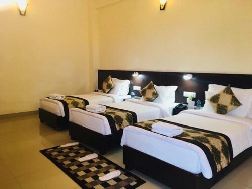 Hotel Om Residency, Kushinagar