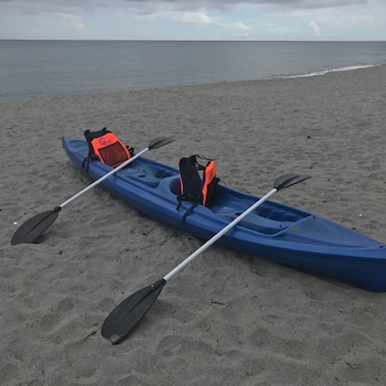 AZUL ZAMBALES BEACHFRONT HOUSE Kayaking