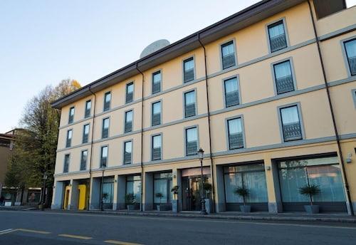 . Hotel Cavour Novara
