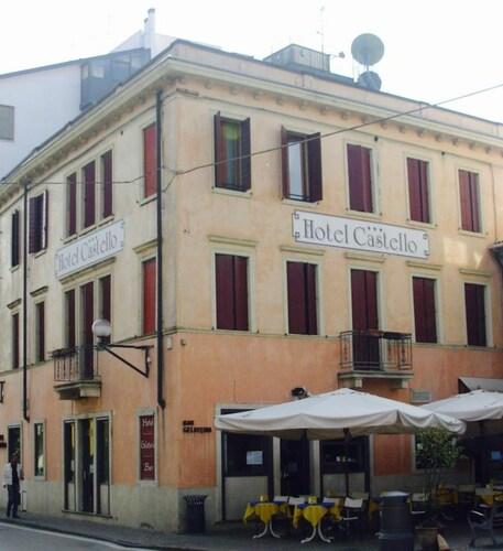. Hotel Castello
