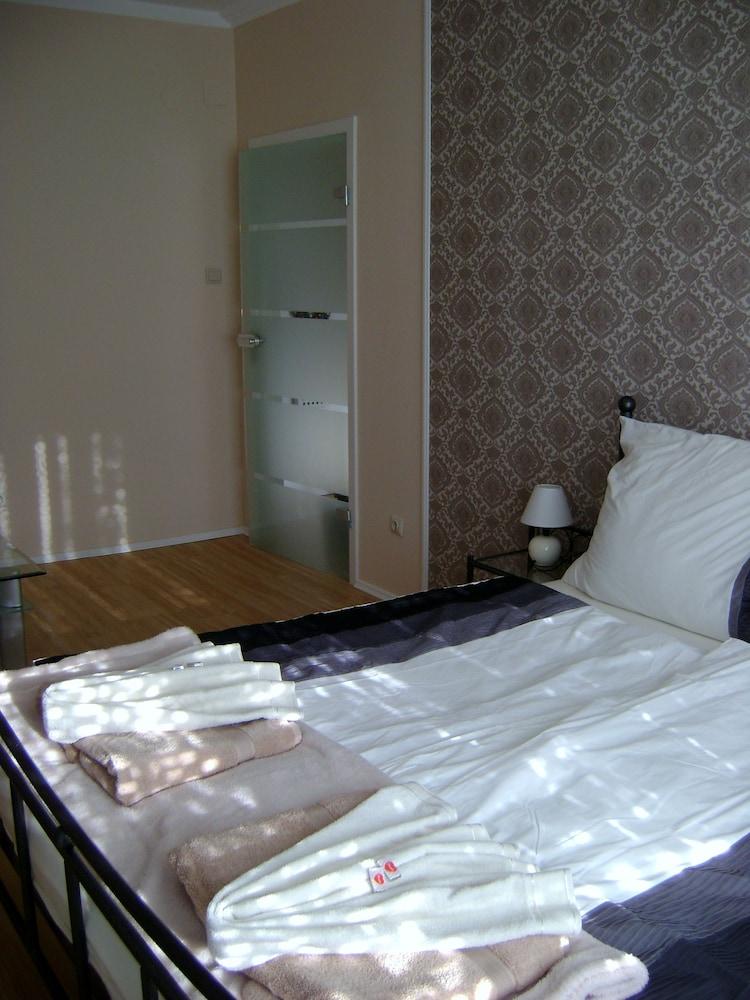 Vienna Luxury Residence