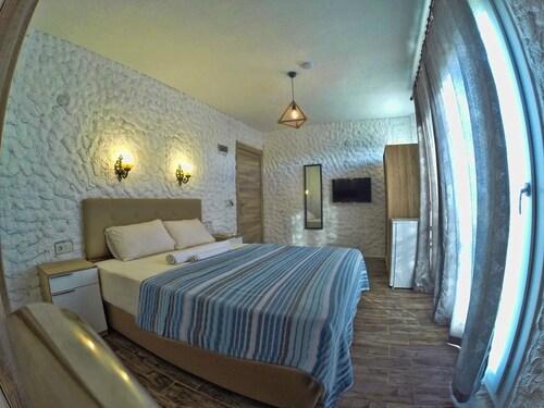 Satsuma Butik Otel, Seferihisar