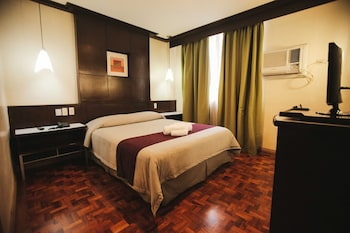 NEW CROWN HOTEL Room