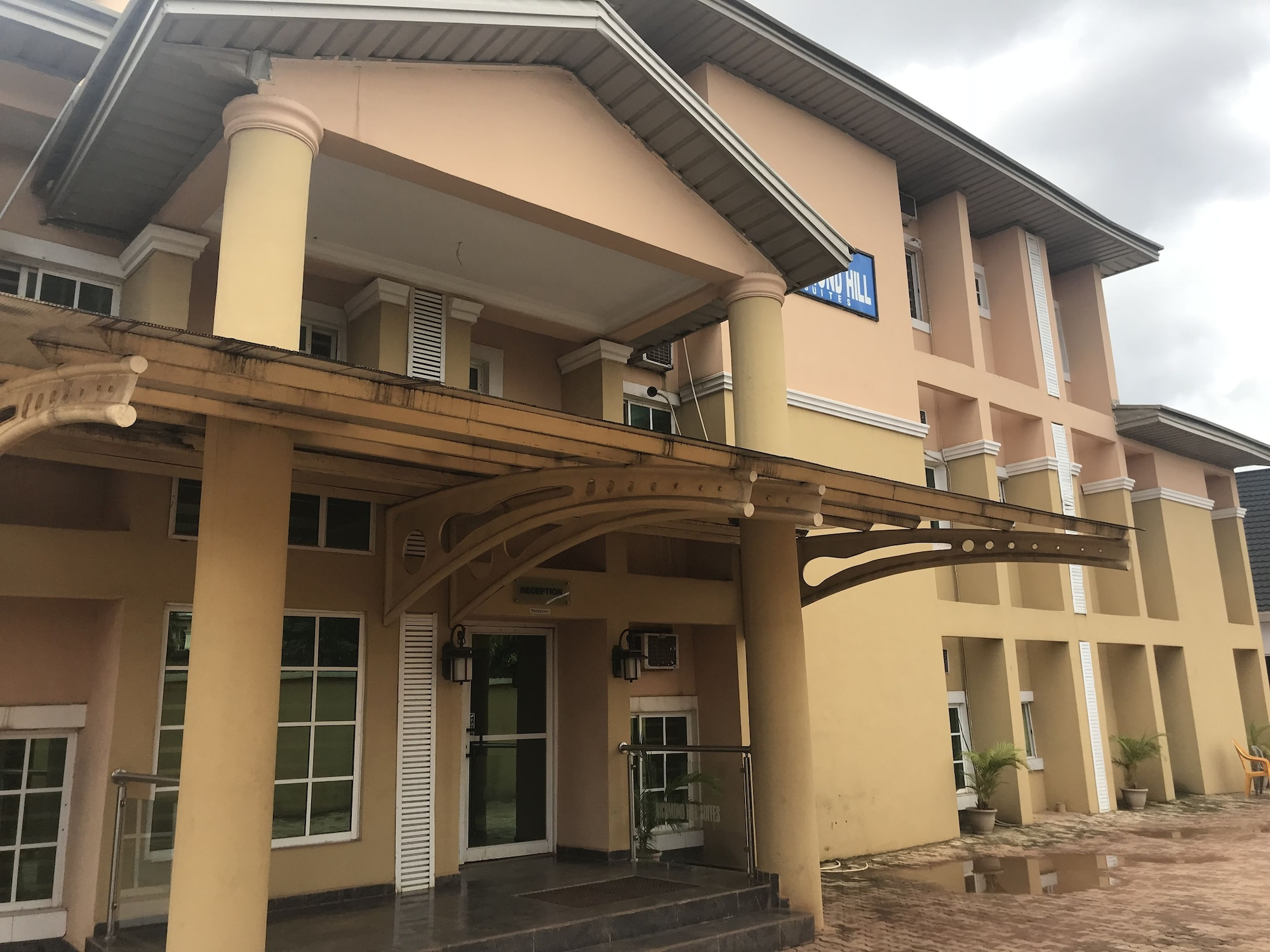 Richmond Hills Suites, Enugu North