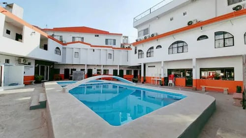 . Hotel Moreno