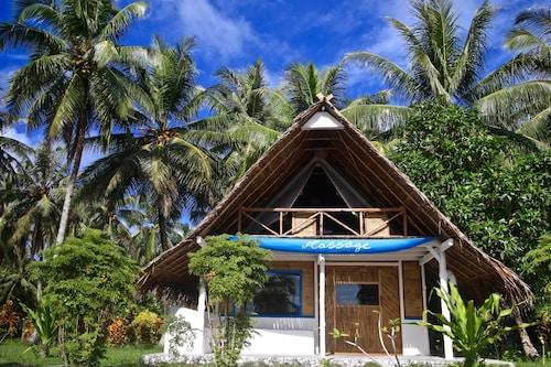 Hollow Tree's Resort, Kepulauan Mentawai
