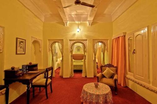 Fort Dhariyawad Heritage Hotel Udaipur, Pratapgarh
