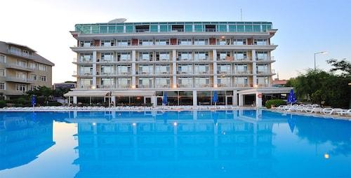 Pelikan Otel, Büyükçekmece
