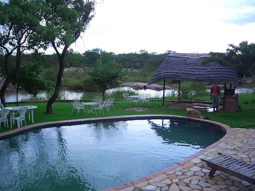 Nyangombe Safari Lodge, Kwekwe
