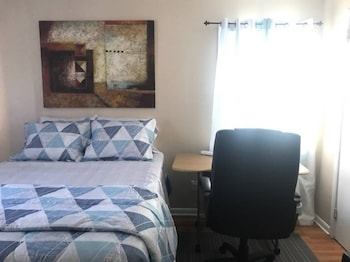 House - Private Room 1- Near NYC/EWR/OutletMall