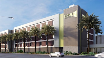 Home2 Suites by Hilton Las Vegas Tropicana Avenue photo