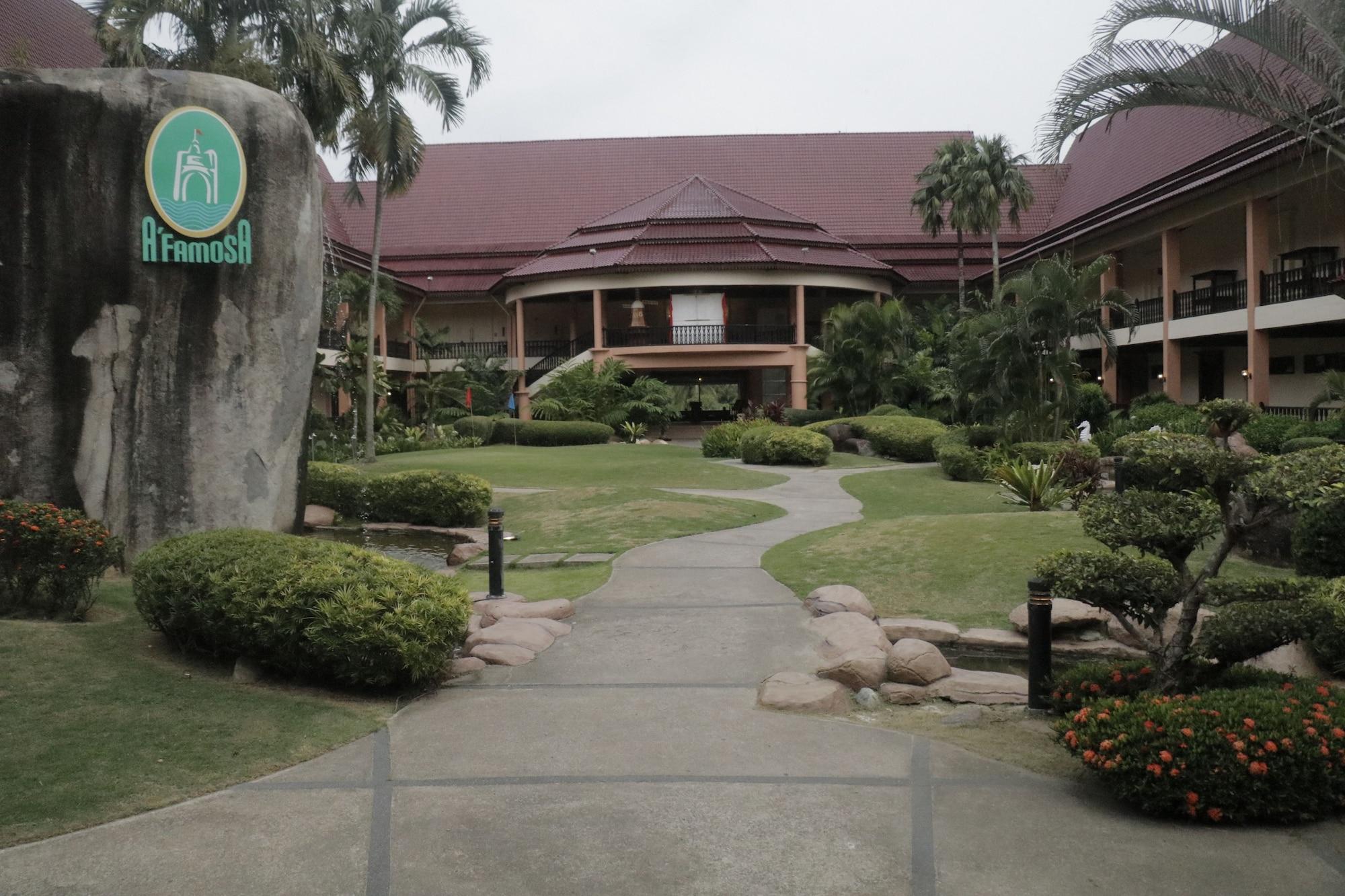 TRAVELORE.MY Homestay Villa D'Lagos, Alor Gajah