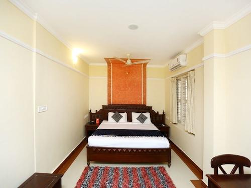OYO 2240 Krishna Regency, Thrissur