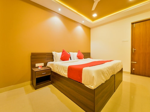 OYO 14271 Home Exotic Stay Near Lulu Mall, Ernakulam