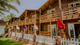 OYO 14146 Home Modern Beach Cottages Morjim