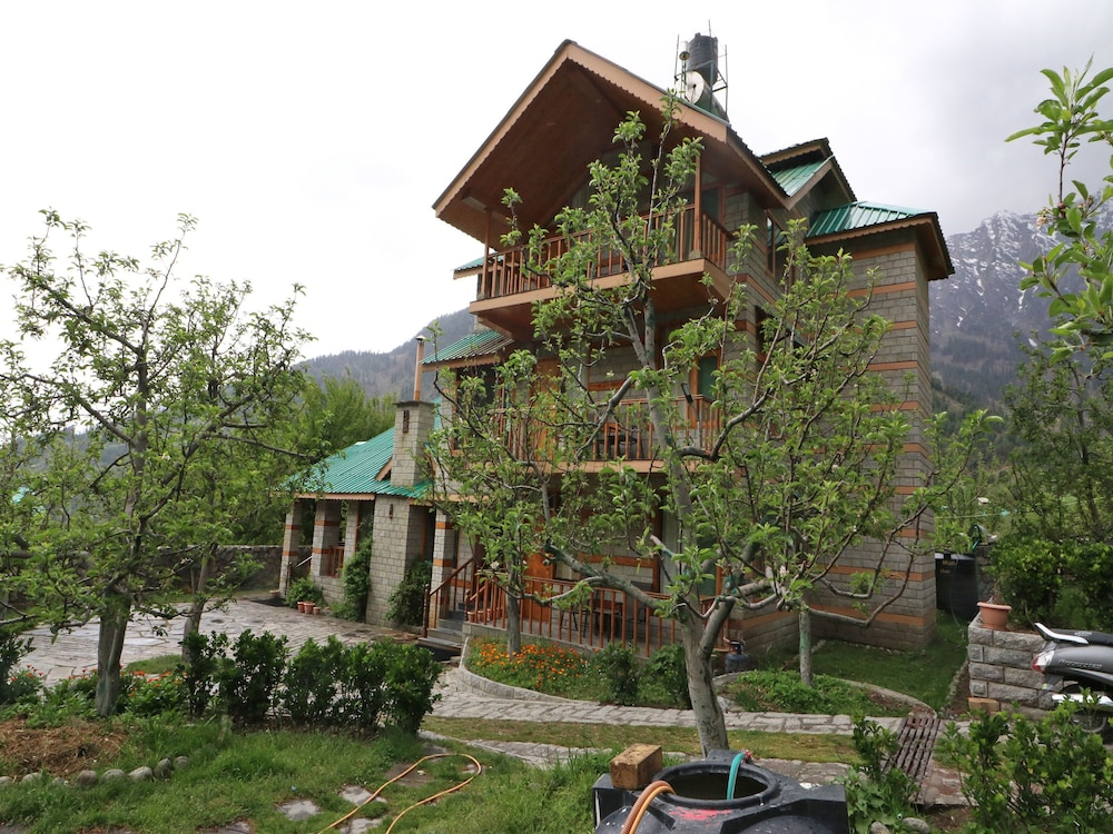 OYO 14072 Home Luxurious Studios Rohtang Road