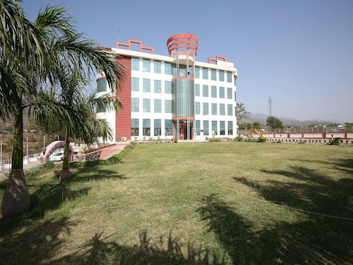 OYO 13876 AA Hotel and Resorts, Solan