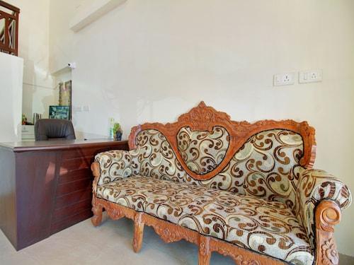 OYO 15120 Hotel Balini, Madurai