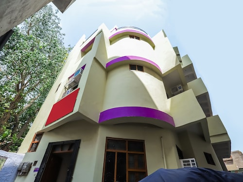 OYO 14562 Rishabh Guest house, Gwalior