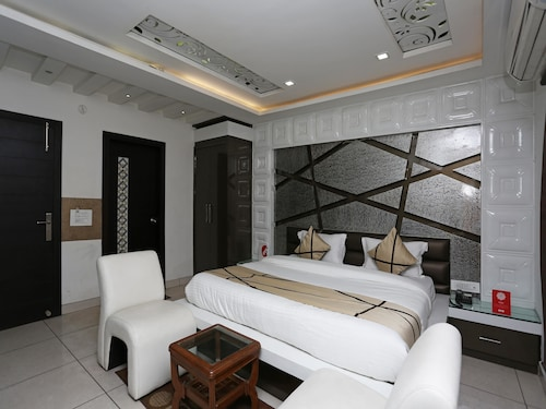 OYO 6469 Hotel My Dream, Aligarh