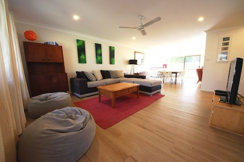 Barefoot Bungalow at Hat Head, Kempsey
