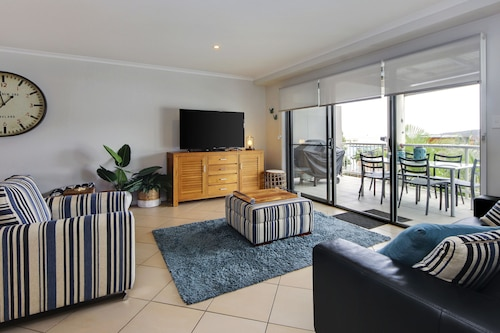 . Jubilee Apartment No 5