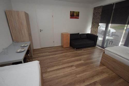 . AB Apartment 20