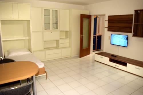 . AB Apartment 79