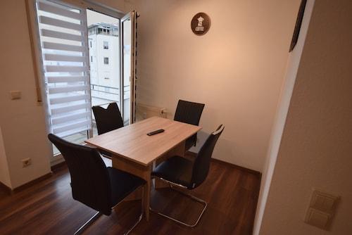 AB Apartment 72, Esslingen