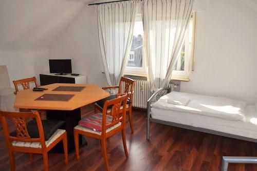AB Apartments - Apartments Johann-Sebastian-Bach-Strasse, Esslingen