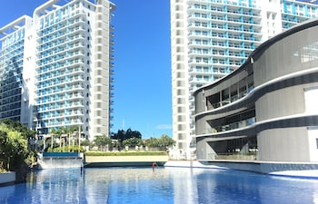 AZURE URBAN RESORT RESIDENCES MAUI TOWER