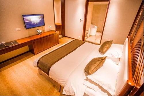 New Coast Hotel, Yantai